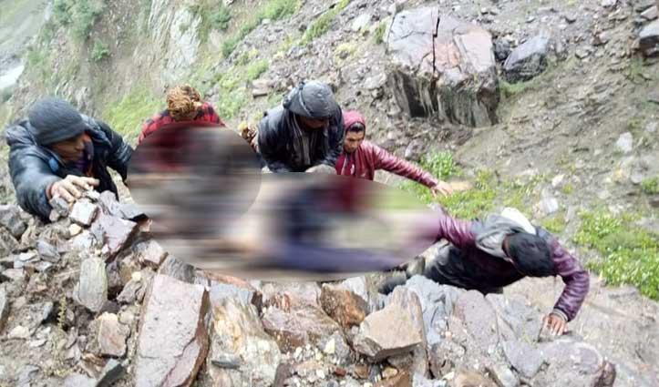 हिमाचल में पहाड़ों से बरसी मौतः नेपाली मजदूर की मौत, दो महिलाएं घायल