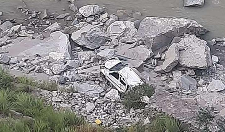 हिमाचल में हादसा एनएच-5 में कार्यरत जेई की गई जान, महिला गंभीर घायल