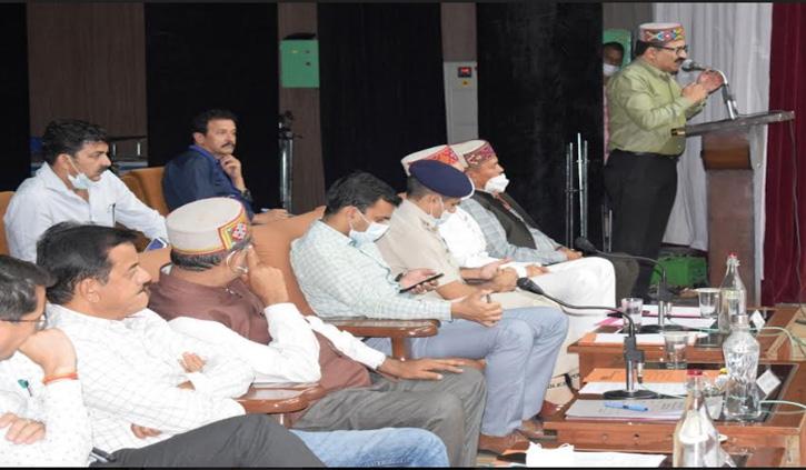 अंतरराष्ट्रीय कुल्लू दशहरा: गोविंद ठाकुर ने देव कारदारों से की बैठक, जाने क्या हुआ फैसला