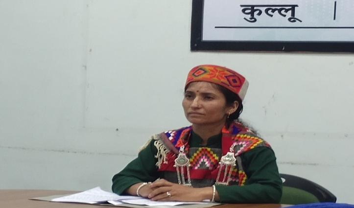 आशा वर्कर निरमा देवी से पीएम मोदी ने मलाणा के टीकाकरण की सुनी कहानी