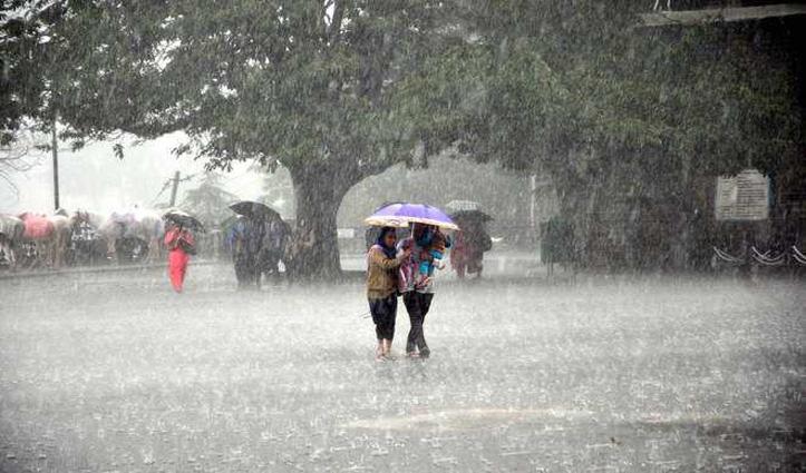 हिमाचल मानसून: शुक्रवार को झमाझम बरसे बादल, 7 तक भारी बारिश का अलर्ट, चोटियों पर हिमपात