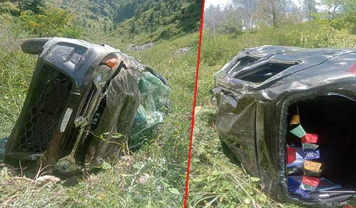 हिमाचलः खाई में गिरी कार, चालक की मौत चार महिलाएं घायल
