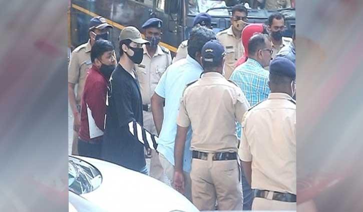शाहरुख खान के बेटे आर्यन और 7 अन्य को 14 दिन की न्यायिक हिरासत में भेजा