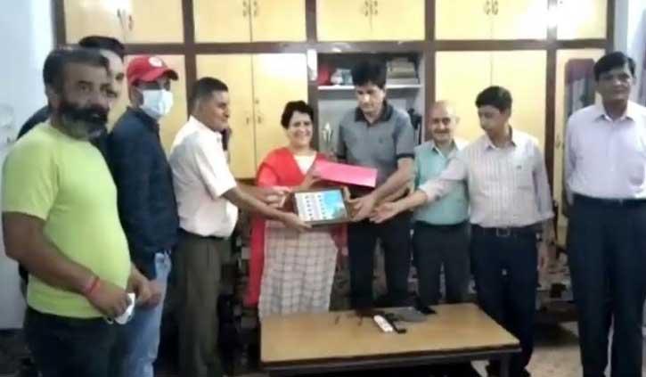 हिमाचल: डाक विभाग ने निकाली क्रांतिकारी भाई हिरदा राम के नाम की माई स्टांप