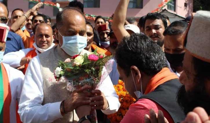 हिमाचल उपचुनाव: CM जयराम पहुंचे अर्की, कहा- बागियों को मनाया जाएगा