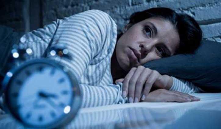 रात को सोने से पहले भूल कर भी नां खाएं ये चीजें, हो सकता है नुकसान