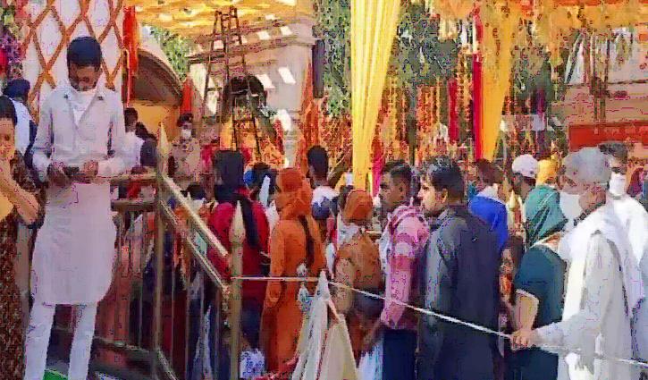 हिमाचलः मां नैना देवी के दरबार में उमड़ पड़ी भक्तों की भीड़, सुरक्षा के इंतजाम पूरे