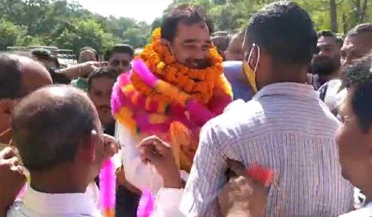 नाम फाइनल होने के बाद अर्की पहुंचे संजय अवस्थी, बोले- रूठों को मनाएंगे, वीरभद्र सिंह के काम गिनाएंगे