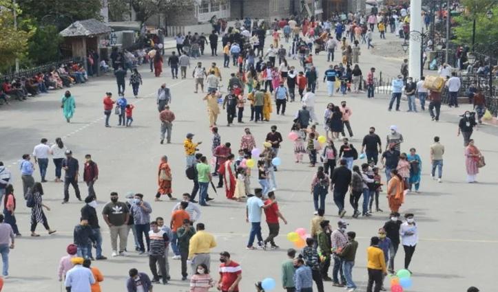 हिमाचल: सैलानियों से गुलजार हुए पर्यटन स्थल, होटलों में 80 फीसदी पहुंची ऑक्यूपेंसी