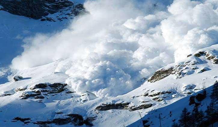 उत्तराखंड के चमोली में हुआ हिमस्खलन: 7 हजार मीटर ऊंची चोटी पर चढ़ाई करने गए नौसेना के 5 जवान और एक पोर्टर लापता