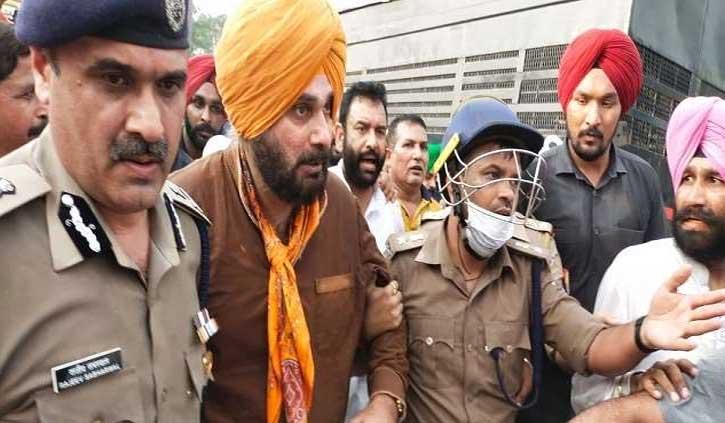 लखीमपुर जा रहे सिद्धू हिरासत में लिए, पुलिस से नोकझोंक भी हुई